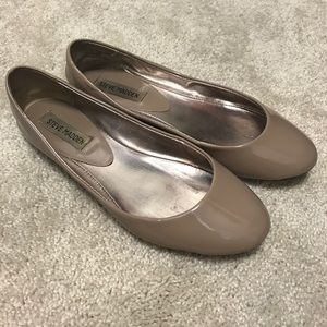 Steve Madden patent leather nude flats size 7.5